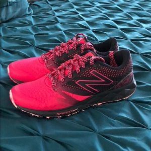 New Balance 690AT SPEED RIDE size 8.5 B